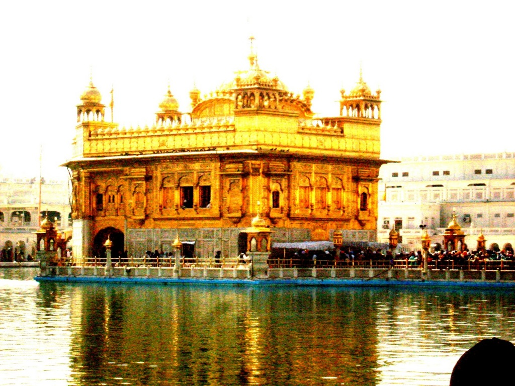 The shimmering Golden Temple