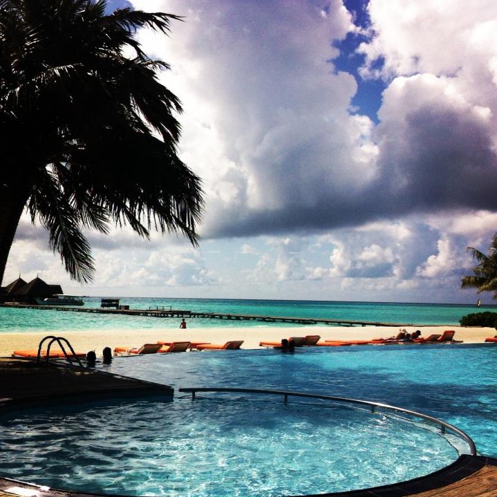 A pool overlooking the ocean - Best Combo Ever!