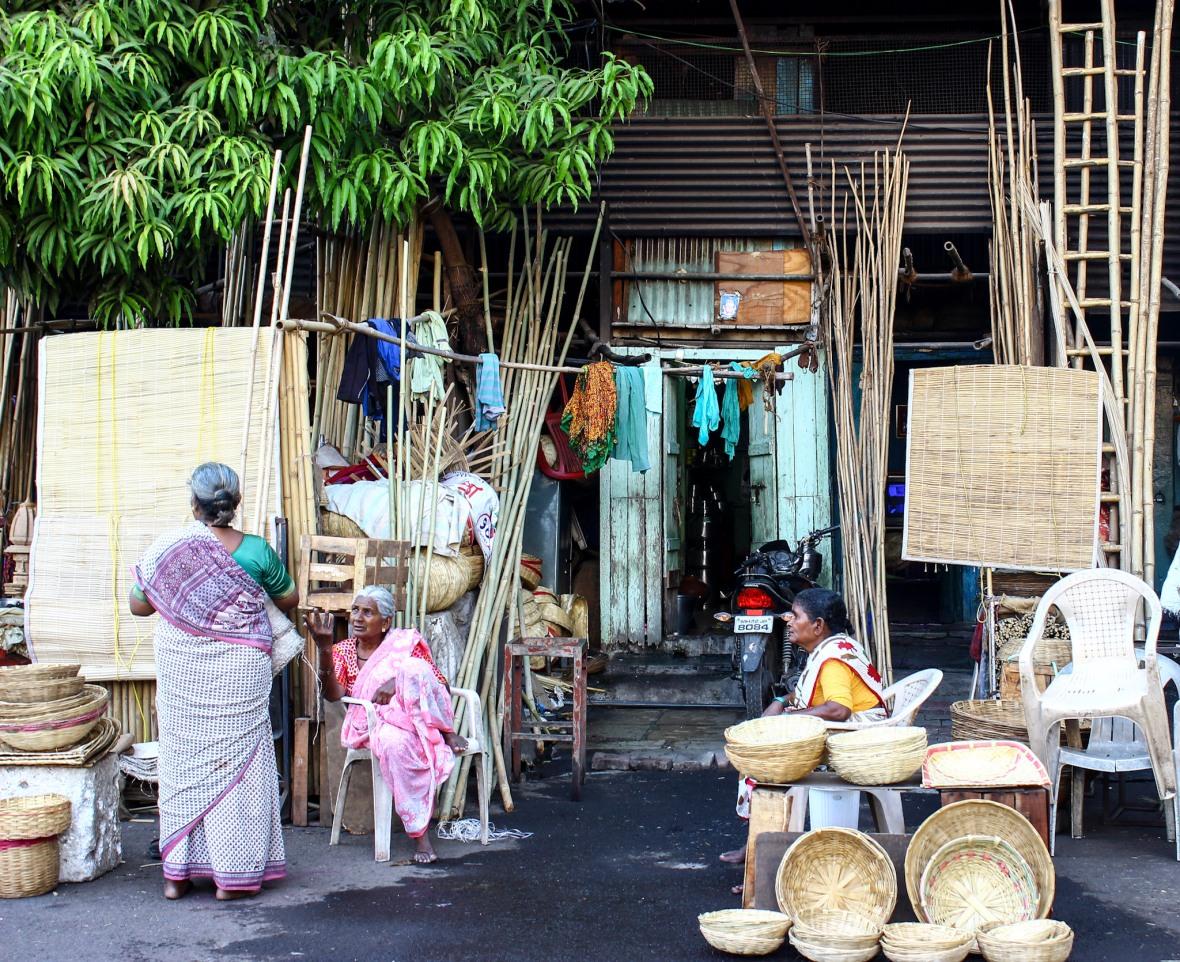 The women of Burud Ali. The cane market of Pune