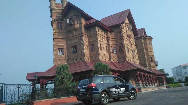 Tata HEXA at the Hari Singh palace in Jammu